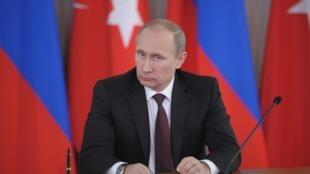 O presidente russo, Vladimir Putin, será recebido em uma audiência no Vaticano pelo papa Francisco.