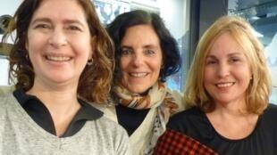 Silvina Resnik, Andrea Racciatti y Cristina Rochaix en los estudios de RFI