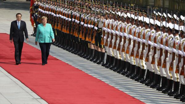 中方隆重歡迎默克爾總理到訪。