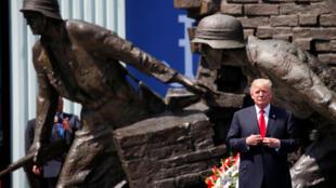 Tổng thống Mỹ Donald Trump đọc diễn văn trước công chúng tại thủ đô Ba Lan ngày 06/07/2017.