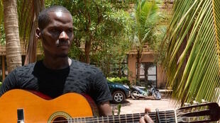 Artist Jonathan Dembele studied classical music at the Balla Fasseke Kouyate Conservatory. He says he still prefers the folk music of his Malian ethnic group.