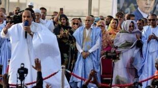 L'ancien président mauritanien, Mohamed Ould Abdel Aziz, prend la parole lors d'un meeting de campagne de son successeur, Mohamed Ould Ghazouani, le 20 juin 2019.