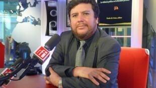 Paolo de Lima en los estudios de RFI