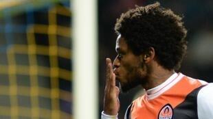 O brasileiro Luiz Adriano marcou cinco gols na vitória por 7-0 do Shakhtar Donetsk contra o Bate Borisov..