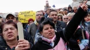 Quelques milliers de manifestants ont manifesté contre la politique anti-Roms de Viktor Orban, à Budapest, le 23 février 2020.