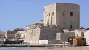 La tour de Pozzallo, en Sicile.