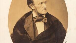Chân dung nhà soạn nhạc người Đức, Richard Wagner (1813 – 1883) do Pierre Petit thực hiện năm 1861.