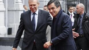 Primeiro-ministro francês, François Fillon, é recebido em Bruxelas por primeiro-ministro belga, Yves Leterme, para tratar sobre a crise no Dexia.