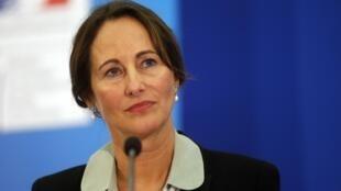 A ministra da Ecologia da França, Segolène Royal, apresentou nesta quarta-feira (18) um projeto de lei de transição energética para o país.