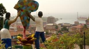 Vue de Freetown, capitale de la Sierra Leone, le 25 avril 2018.