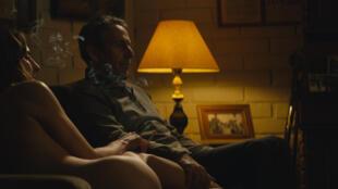 """""""Los Perros"""" está protagonizada por Antonia Zegers y Alfredo Castro."""
