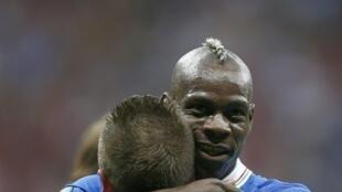 Mario Balotelli foi o grande heroi da vitória dos italianos contra a Alemanha na semifinal da Eurocopa.