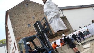 Tượng đồng Karl Marx do Trung Quốc tặng đang được đặt tại thành phố Trier, quê hương của ông, ngày 13/04/2018.