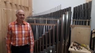 Patrick Armand de la manufacture alsacienne Muhleisen qui a été choisie pour cet orgue, construit au cœur de Moscou durant 2 années entières.