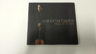 """Álbum """"classics of my soul"""" do músico e cantor angolano Waldemar Bastos"""