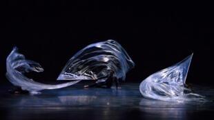 "Cena de ""Odisseia"", de Joëlle Bouvier, interpretada pela SPCD."