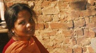 Asia Bibi, condamnée à mort en 2010 pour blasphème suite à une dispute avec des villageoises musulmanes au sujet d'un verre d'eau.