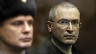 М. Ходорковский в Хамовническом суде 30 декабря 2010 г.
