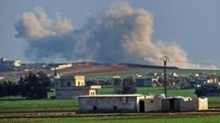 «Les forces du régime sous couverture aérienne russe ont pu reprendre le contrôle total de Saraqeb», a dit l'Observatoire syrien des droits de l'homme à l'AFP.