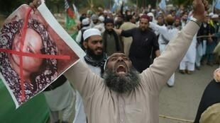 Thousands of Islamists poured onto the streets in protest after Supreme Court judges overturned Asia Bibi's conviction