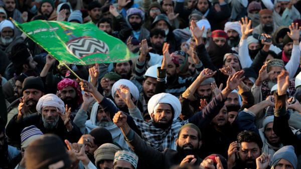 Ministro da Justiça do Paquistão renuncia após protestos, em 27 de novembro de 2017.