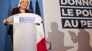 На выборах-2017 Макрон столкнулся с Марин ЛеПен. Поэтому он «четко осознает риск того, что ультраправые могут прийти квласти»