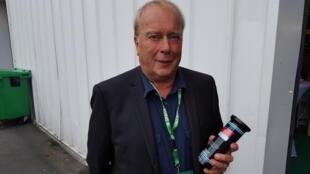 Jean-Louis Lautrec, président de la société Kitvia et son dispositif de détection des mammites.