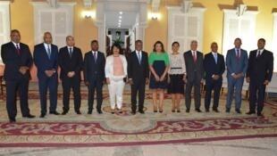 Novo governo de Cabo Vdrde, no centro primeiro ministro Ulisses Correia e Silva