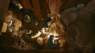 O grupo de mineiros bloqueado pelo incêndio estaria num refúgio da mina de platina Mimosa, no sul do Zimbábue.