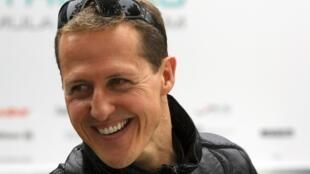 As informações sobre o estado de saúde de Michael Schumacher (foto) estão sendo vendidas por R$ 150 mil reais.
