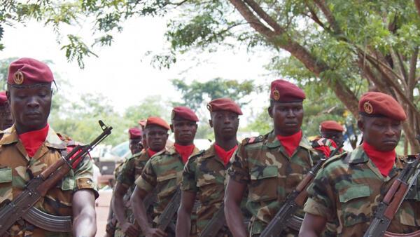 (Photo d'illustration) La Russie fournit des armes aux forces armées centrafricaines pour les aider à se renforcer face aux groupes rebelles qui contrôlent une large partie du territoire.