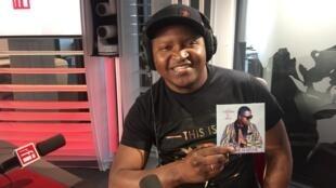 O músico guineense Patche Di Rima nos estúdios da RFI. 12 de Fevereiro de 2019.