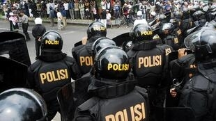 Sau du khách quốc tế, các hành vi khủng bố giờ đây cũng nhắm vào lực lượng an ninh Indonesia