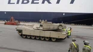 Танк Abrams в порту Риги, 9 марта 2015 г.