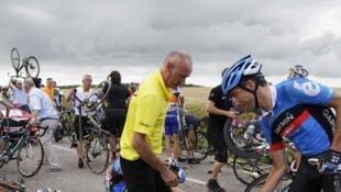Une chute qui s'est produite à 25 kilomètres de l'arrivée lors de l'étape qui arrivait à Metz, le 6 juillet 2012.