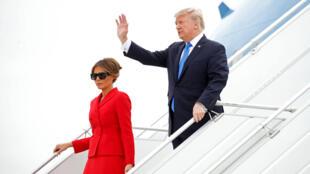 Tổng thống Mỹ Donald Trump và phu nhân Melania, lúc đến sân bay Orly, Paris, ngày 13/07/2017.