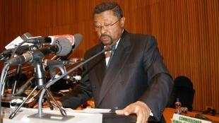 AU Commission Chairperson Jean Ping addressing the summit, 27 January 2011