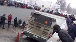 Автобус въехал в подземный переход на «Славянском бульваре» в Москве. Пять человек погибли. Версию теракта правоохранительные органы не рассматривают