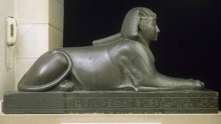 مجسمه ابولهول در موزه لوور پاریس