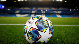 Football - Ballon - Ball - Bola - Futebol - Soccer