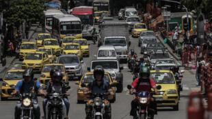 Le trafic est dense le long de l'avenue de l'Orient à Medellin, au nord-ouest de la Colombie, le 7 mars 2018 (illustration).