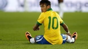 O atacante brasileiro Neymar durante o amistoso contra a Suíça, na quarta-feira, 14 de agosto de 2013, em Basileia.