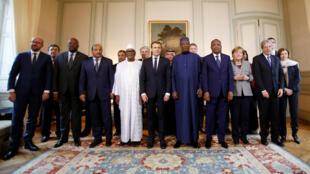 Leaders européens et africains, lors de la rencontre du G5 Sahel, à Paris, le 13 décembre 2017.