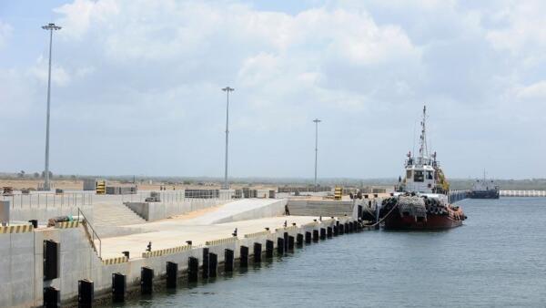 Cảng biển Hambantota mà Sri Lanka cho Trung Quốc thuê 99 năm.