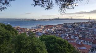 Lisbonne et le pont du 25 avril (illustration)