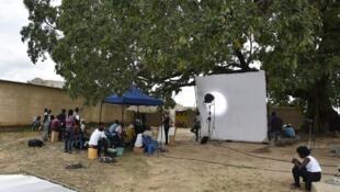Sur le tournage du film Duga à Boromo au Burkina Faso