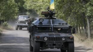 Blindado do exército ucraniano em Kramatorsk, região leste da Ucrânia.