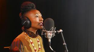 Alsarah sings in RFI's Musiques du Monde