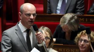 O Ministro da Educação da França, Jean-Michel Blanquer, confirma proibição do celular nas escolas. Foto do 20/02/18