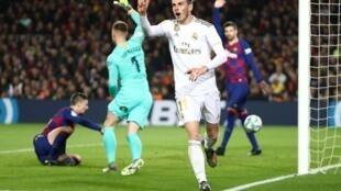 Le joueur du Real Madrid Gareth Bale, alors que son but vient d'être annulé pour hors-jeu face au FC Barcelone, le 18 décembre 2019.